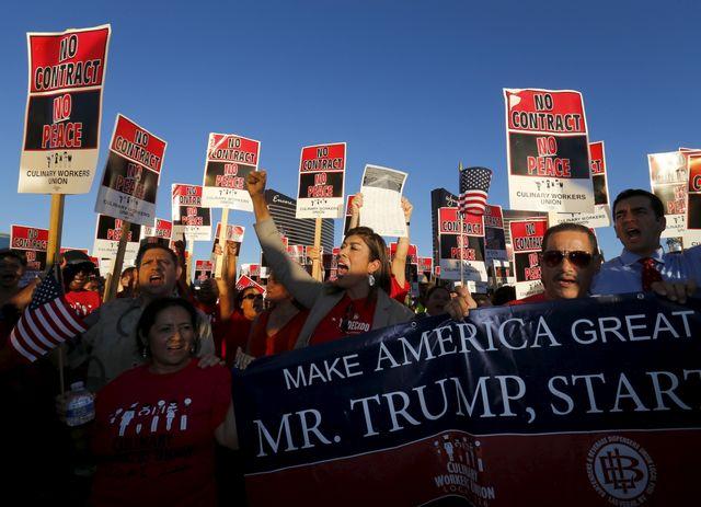 #USA 2016 : des membres du puissant syndicat de l'hôtellerie manifestent contre la politique sociale de Trump
