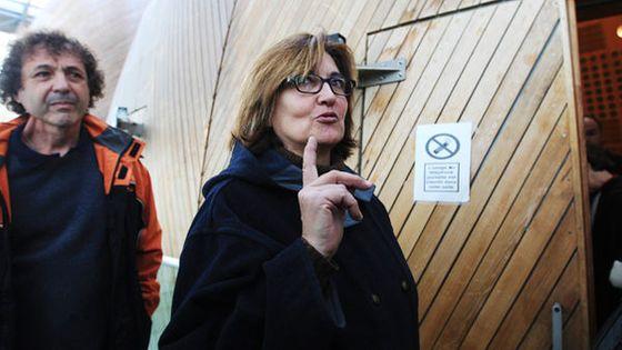 Corinne Auguin, l'ex-régisseuse de l'Opéra de Bordeaux et son mari Philippe à leur arrivée au tribunal correctionnel de Bordeaux
