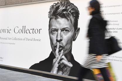 L'affiche de la vente et exposition de la collection personnelle de David Bowie