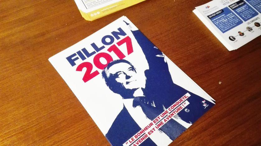 Un tract de François Fillon à la fédération Les Républicains de la Sarthe