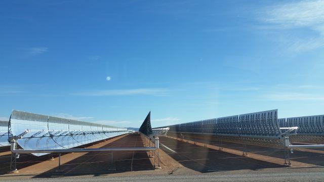 Sur 480 hectares, le site produit 500 gigawatts-heures, soit la consommation de 600.000 habitants.