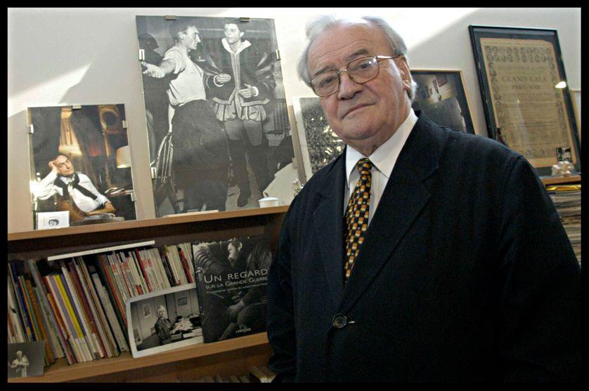 Jack Ralite dans son bureau