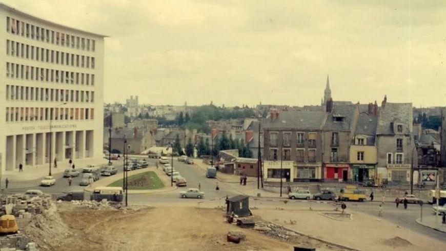 La place de Bretagne en 1958, 16 ans avant l'inauguration de la Tour Bretagne.