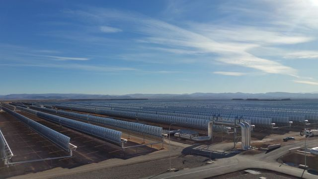 Noor 1 est une centrale solaire thermique à concentration