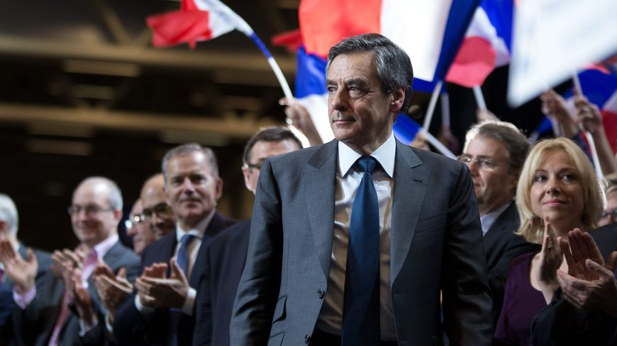 François Fillon est le candidat de la droite et centre pour la présidentielle 2017