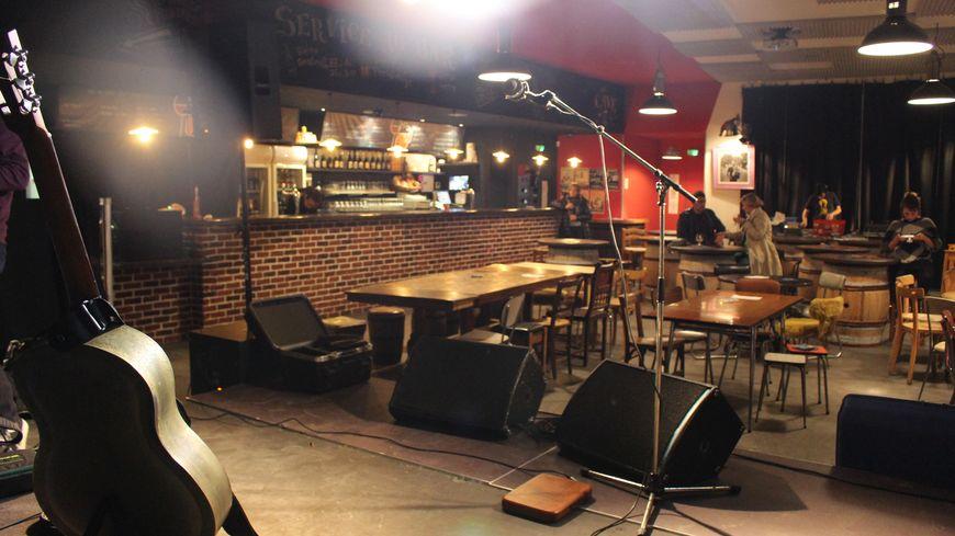 Vinochop - Boutique de vins, bières et spiritueux - bar-tapas et salle de concert à Perpignan