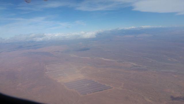 La centrale de Noor (3.000 hectares au total) vue du ciel en cours d'achèvement.