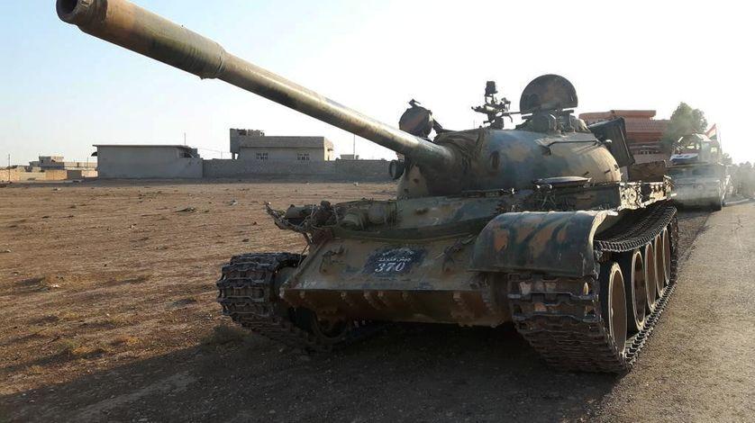 Mossoul : prise de guerre de la 9ème division blindée irakienne : un char T55 de l'EI