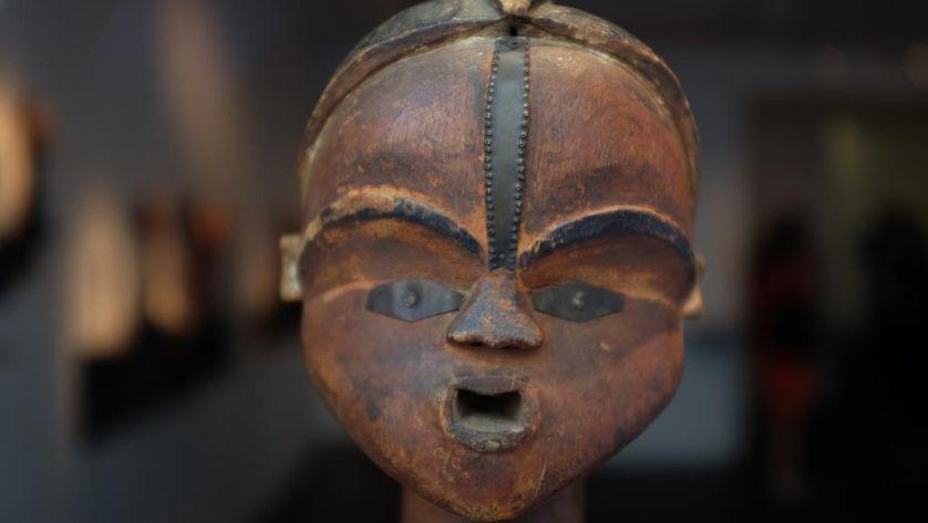 Statuette Tsogho, Gabon, XIXe siècle, restituée le 7 septembre 2016, après avoir disparu du musée de l'Homme dans les années 1950, par un collectionneur européen au musée du quai Branly, à Paris