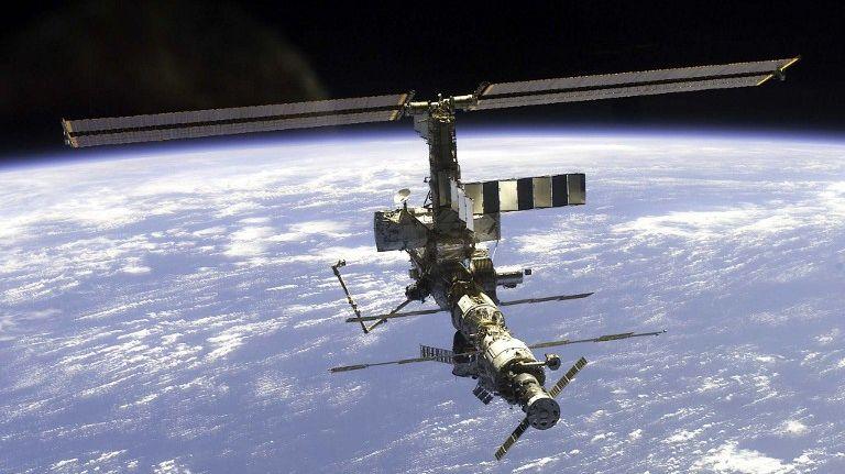 Outre les multiples possibilités d'expériences qu'elle permet, notamment en apesanteur, l'ISS est, à sa manière, un formidable outil de diplomatie scientifique