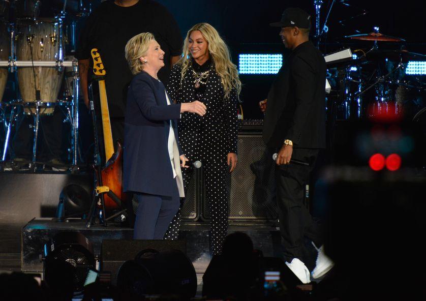Hillary Clinton le 4 novembre sur scène à Cleveland (Ohio) avec Jay-Z et Beyonce