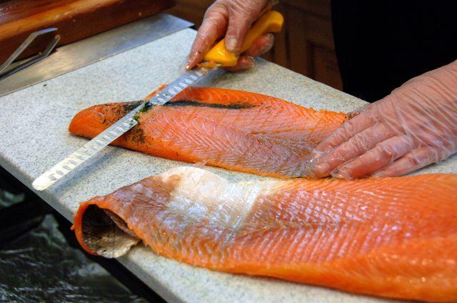 Le saumon frais et fumé bio contient plus de produits toxiques que le saumon conventionnel