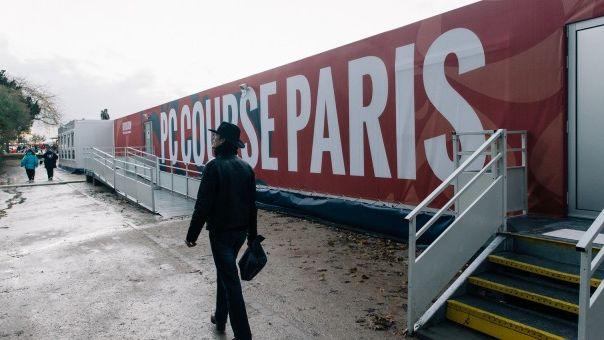 Le PC Course installé au pied de la Tour Eiffel, à Paris