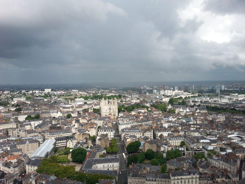 Vue sur la Cathédrale de Nantes, depuis le dernier étage de la Tour Bretagne.