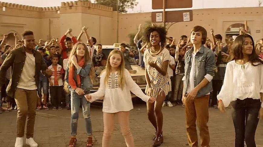 """Populaire VIDÉO - """"Tout le bonheur du monde"""", le nouveau clip des Kids United PO96"""