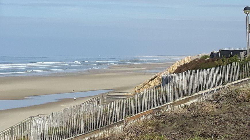 Biscarrosse plage nord (et wharf de la Salie au fond)