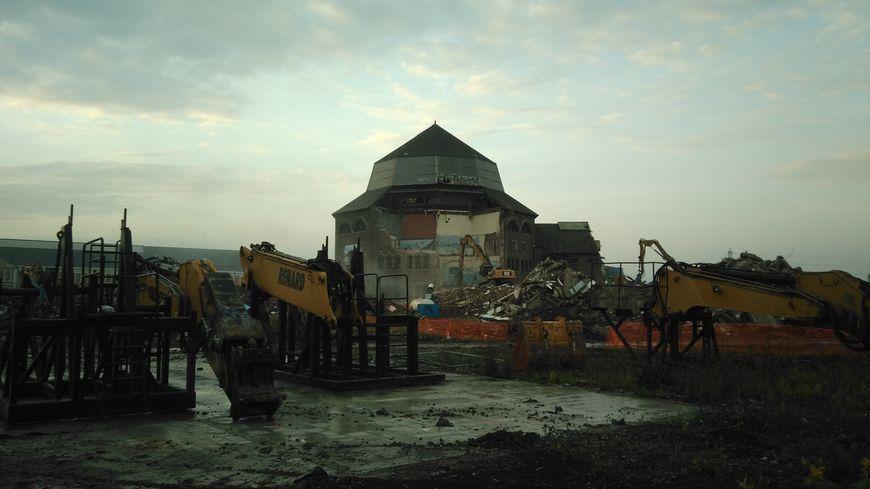 L'emblématique dôme qui surplombait les bâtiments sera à terre dans quelques jours