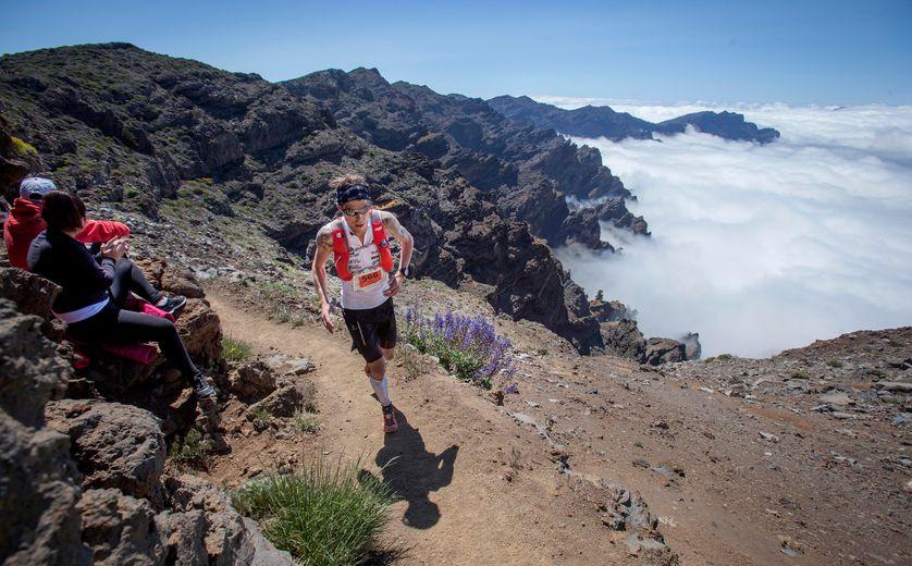 Un compétiteur de la Transvulcania, île de la Palma ( Canaries, Espagne) 7 mai 2016. Un trail  long de 74,3 km pour un dénivelé positif de 4350 mètres.