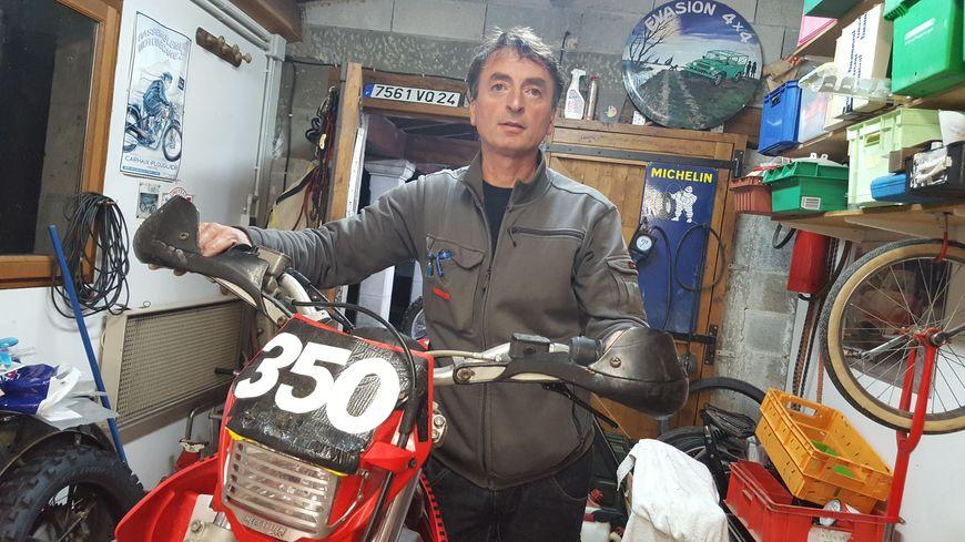 Pascal était au guidon de cette moto quand il eu l'accident.