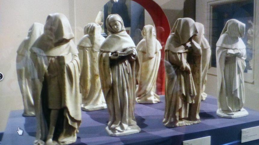 Les magnifiques pleurants du tombeau de Jean de Berry, exposés au musée du Berry à Bourges