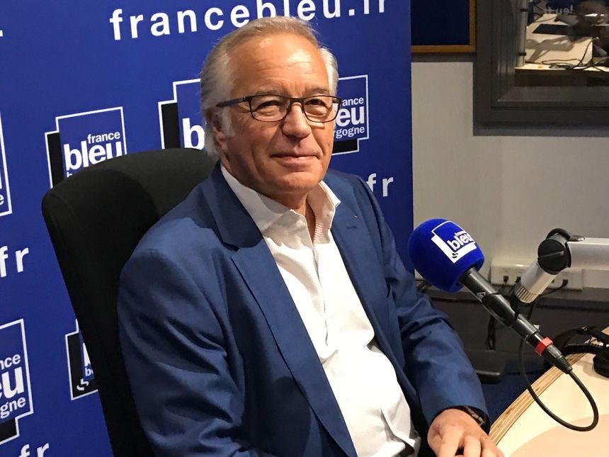 Le maire de Dijon, François Rebsamen a répondu aux questions des auditeurs de France Bleu Bourgogne