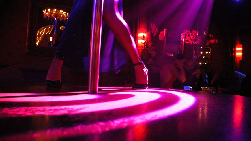 rouen un homme mis en examen suite une rixe mortelle dans un club de strip tease. Black Bedroom Furniture Sets. Home Design Ideas