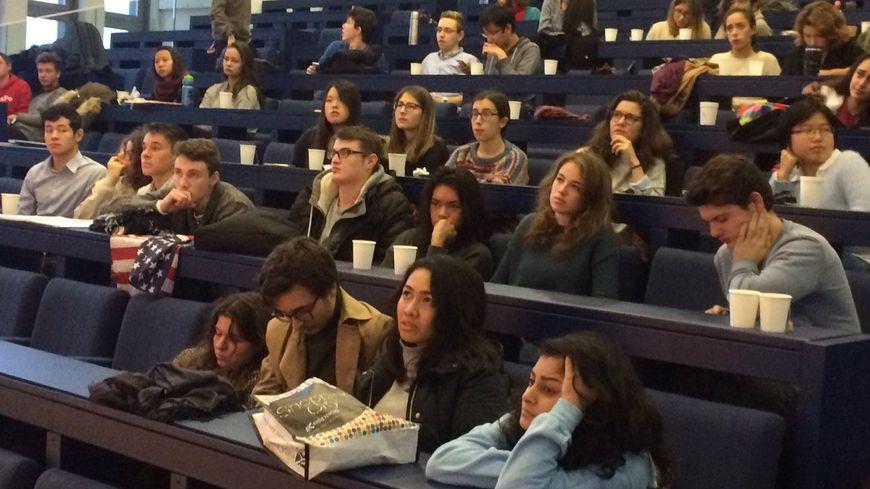 Les étudiants américains de Sciences-Po dépités par la victoire de Donald Trump au Havre.
