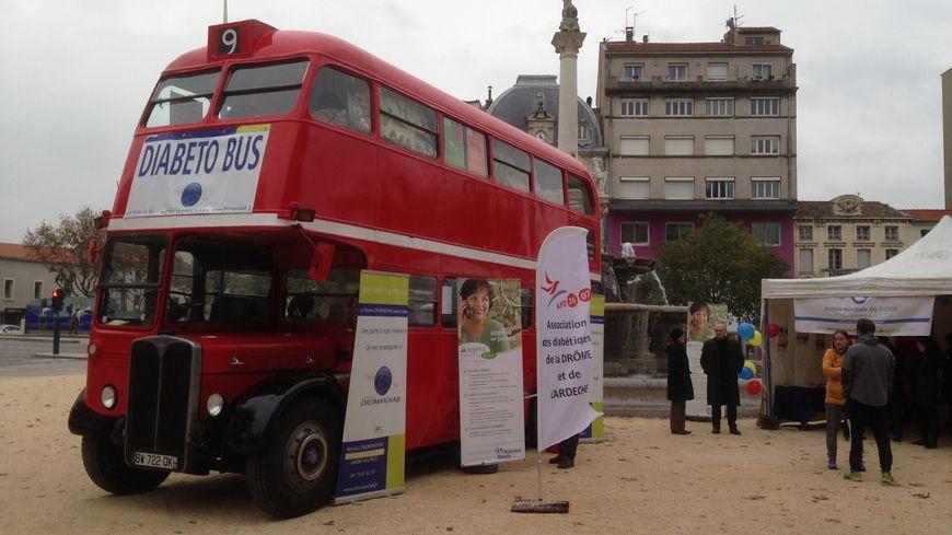 Drôme Un Bus Anglais Transformé En Centre De Dépistage Pour Le Diabète