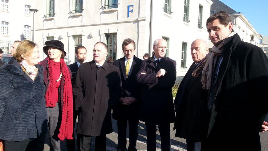 Préfet, délégué interministériel et maire sur le site des anciennes casernes Beaumont-Chauveau