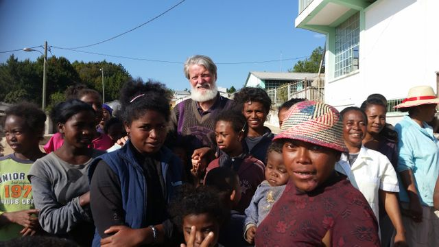 La barbe du Père Pedro est devenu synonyme d'espoir à Ralalitra depuis 27 ans