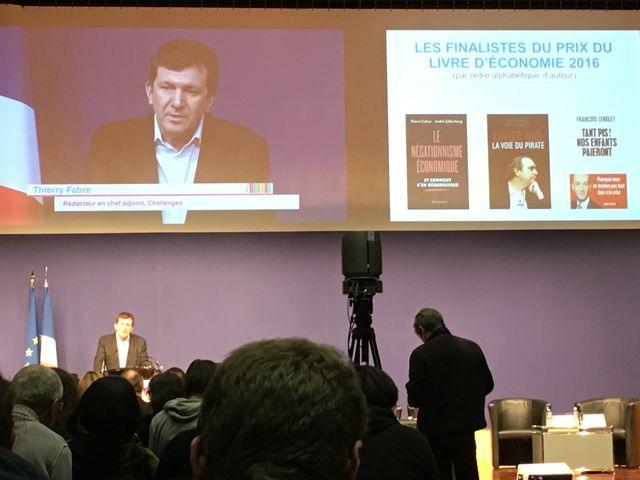 A Bercy, à la remise du prix du livre d'économie