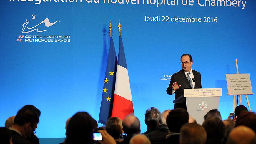 François Hollande inaugure le nouvel hôpital de Chambéry.