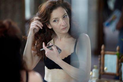 """Extrait de l'affiche du film """"Louise Wimmer"""" (Cyril Mennegun, 2012)"""