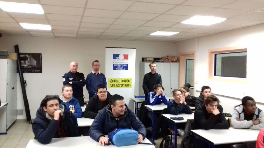 La préfecture de Moselle est venue sensibiliser plusieurs classes du lycée des métiers Gustave Eiffel.