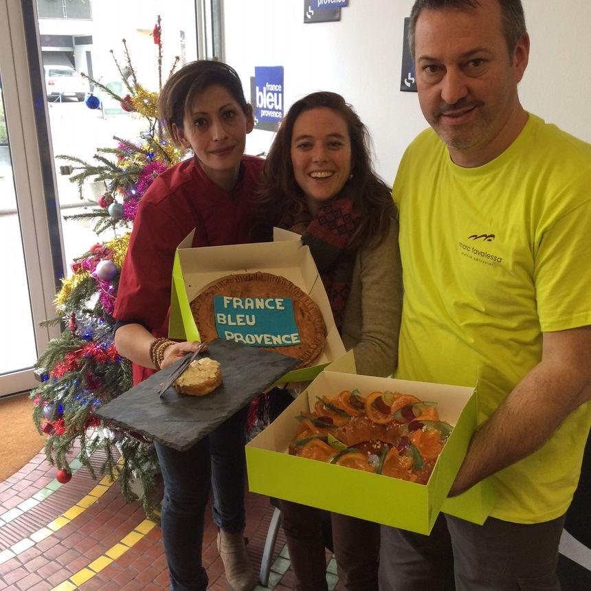 La Chef Delphine Bodguel et l'artisan Pâtissier Marc Favalessa aux côtés de Mélanie Masson