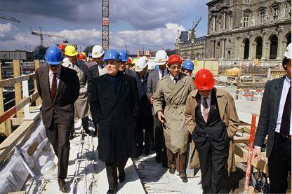 Francois Mitterrand au Grand Louvre
