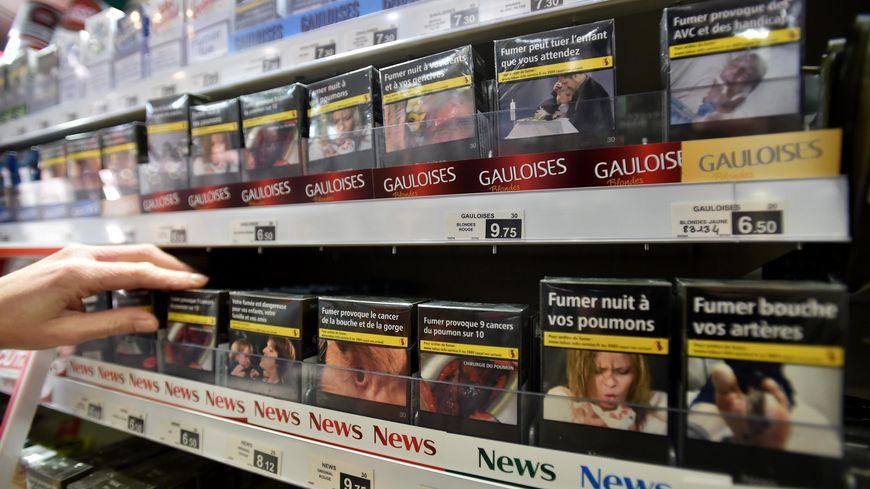 Le Conseil d'Etat a rejeté les recours des buralistes et fabricants de tabac qui contestaient la généralisation obligatoire en France, au 1er janvier 2017, du paquet neutre