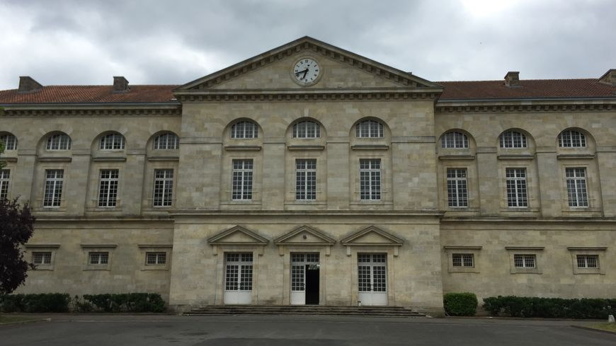 La caserne Lamarque doit être transformée en hôtel cinq étoiles.