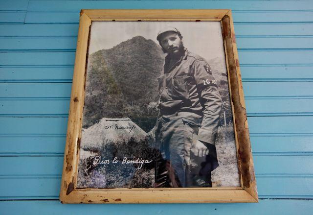 Photo de Fidel Castro dans la maison de son enfance, devenue musée à sa gloire