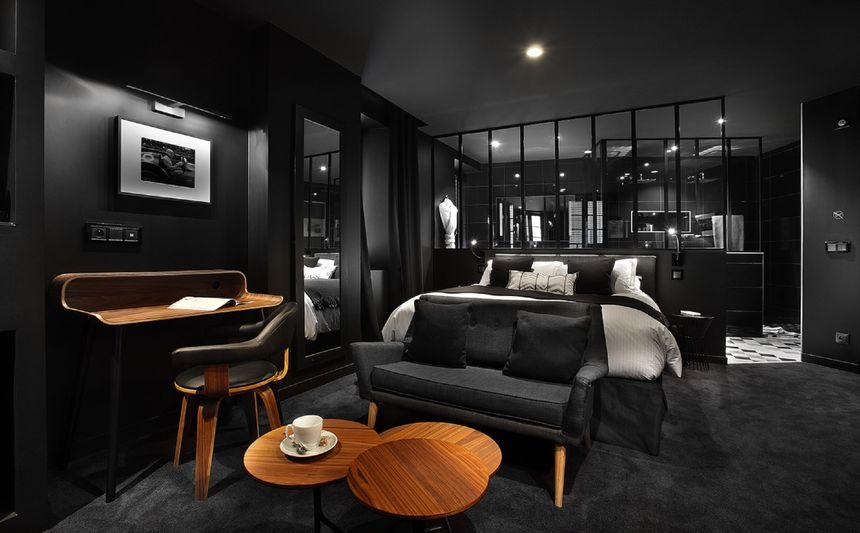 """La chambre """"black"""" du Petit Hôtel Confidentiel"""