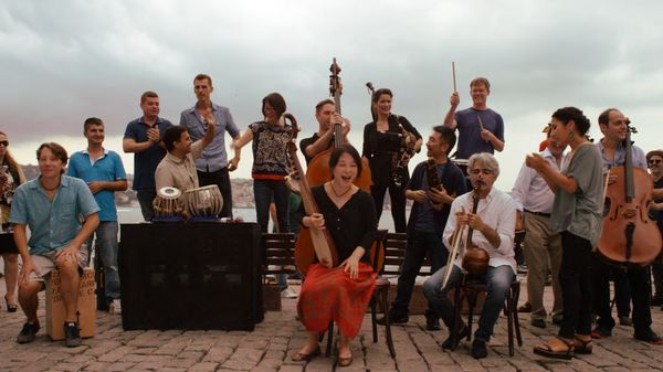 "Image du film ""The Music of Strangers - Yo-Yo Ma and the Silk Road Ensemble"""