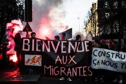 Manifestation à Bordeaux pour l'accueil des migrants en France