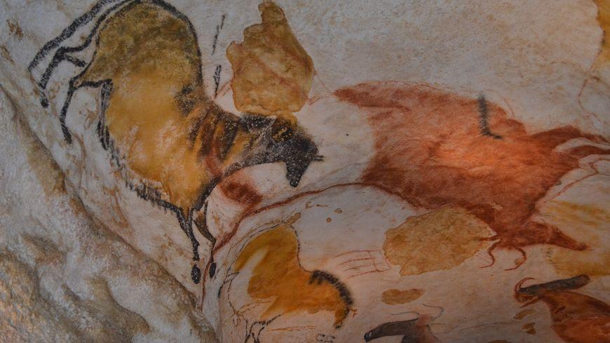 Dans le fac similé de la grotte de Lascaux