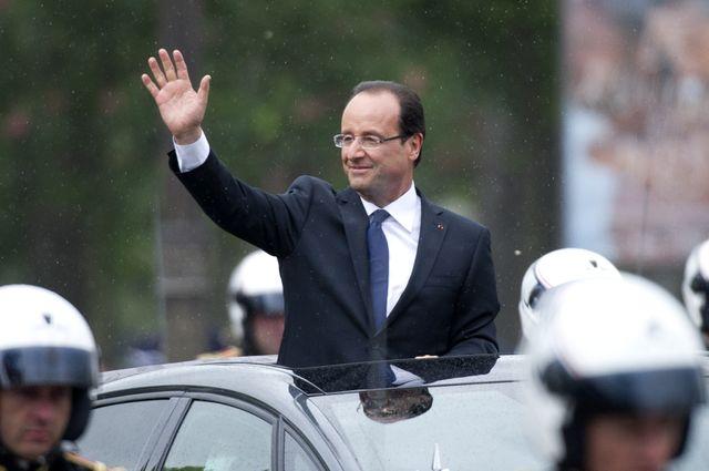 François Hollande sous la pluie lors de son investiture