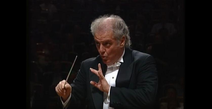 Daniel Barenboïm dirigeant la 5e symphonie de Mahler avec le Chicago Orchestra