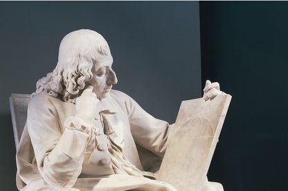 Statue de Blaise Pascal par Augustin Pajon au Musée du Louvre, Paris