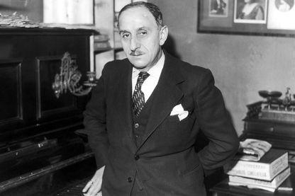 Vincent Scotto chez lui en 1934