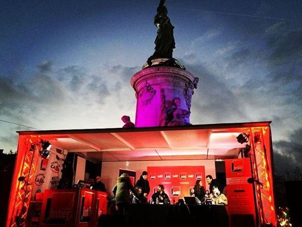 France Inter ce matin en direct de la Place de la république pour une matinale spéciale