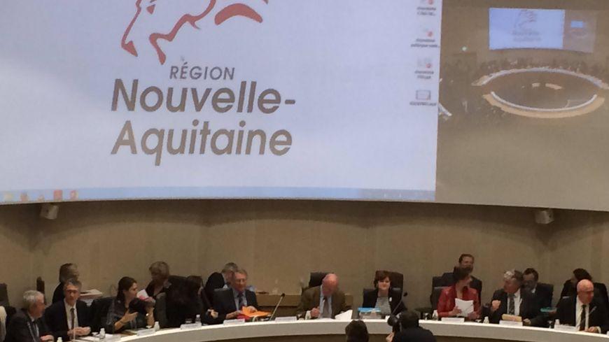 La session du conseil régionale de Nouvelle Aquitaine s'est ouverte à Bordeaux.