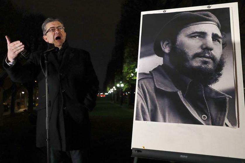 Jean-Luc Melenchon rend hommage à Fidel Castro le lendemain de sa mort, le 26 novembre 2016